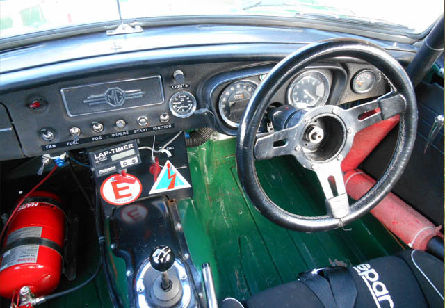 1963 Very Competitive MGB Race Car For Sale (picture 4 of 6)