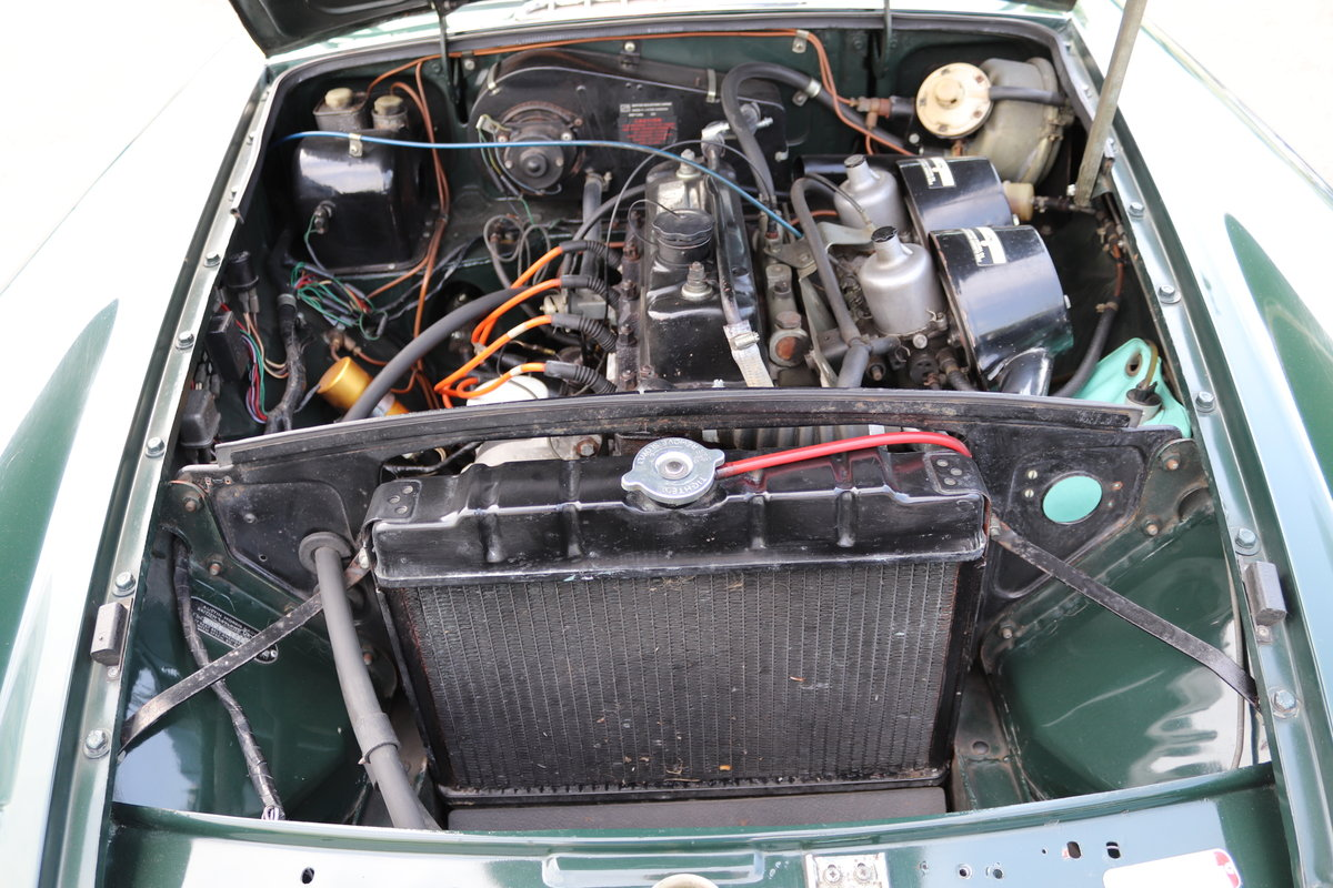 1975 MGB GT Jubilee model, Fully restored,Full sunroof SOLD (picture 6 of 6)
