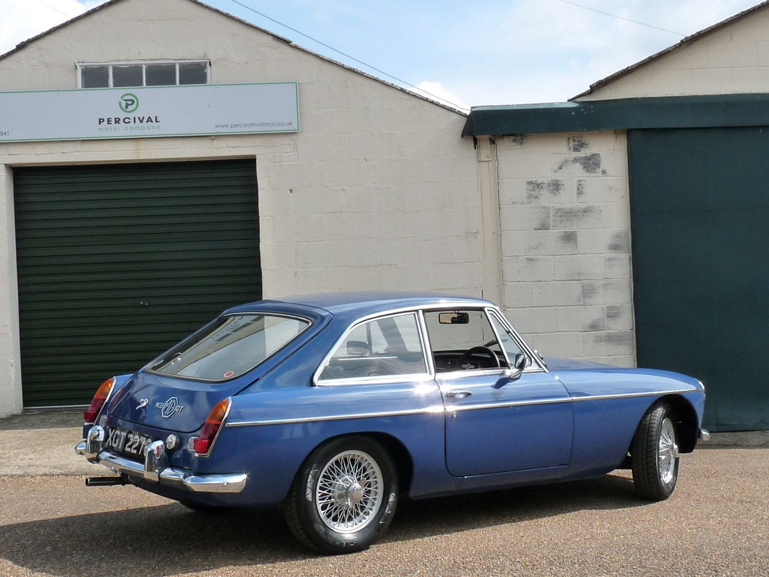 1968 MGB GT automatic, Sold SOLD (picture 2 of 6)