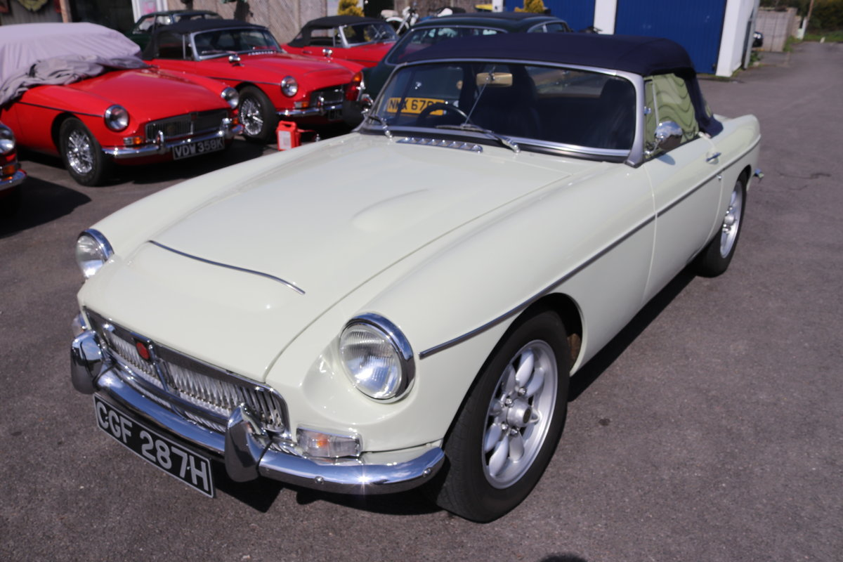 1969 MGC Roadster, 5 speed, triple webers, 200bhp SOLD (picture 1 of 6)