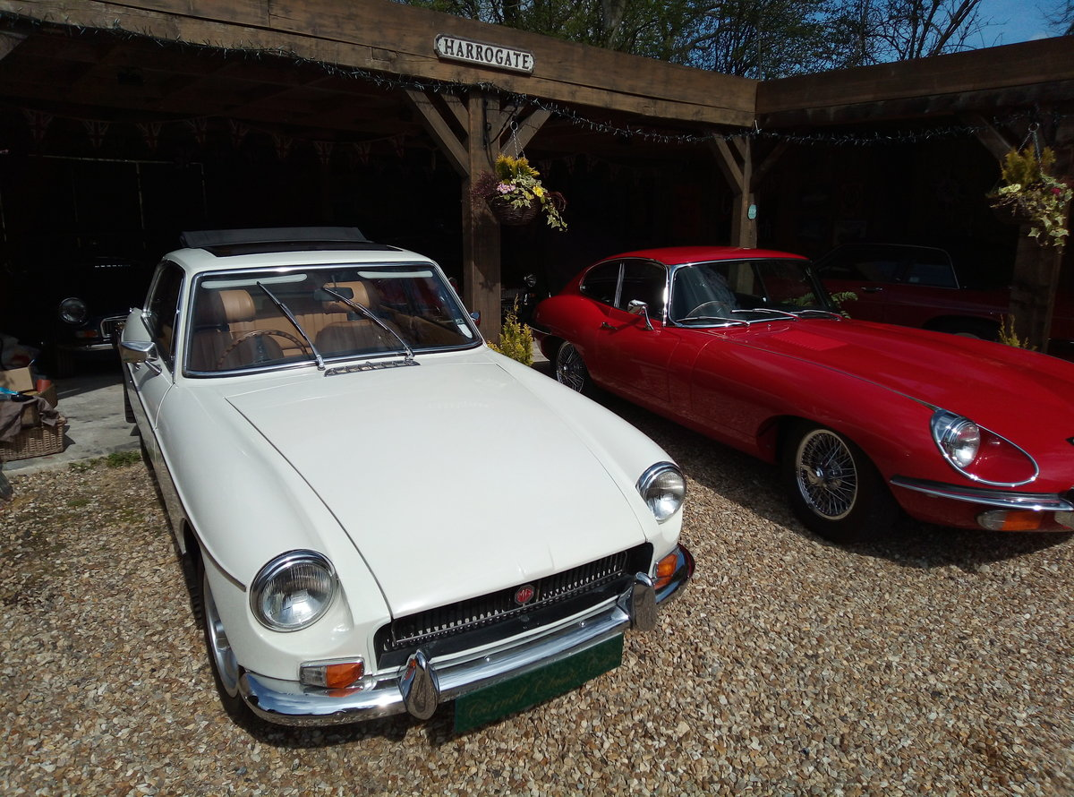 IMMACULATE LOW MILEAGE EXAMPLE  For Sale (picture 4 of 6)
