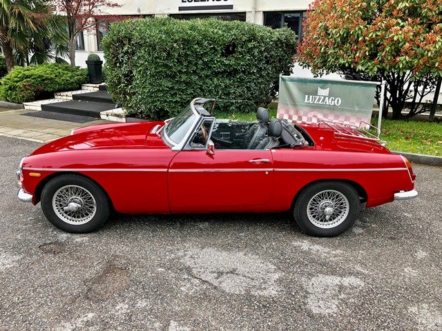 1968 MG B ROADSTER RHD For Sale (picture 2 of 6)