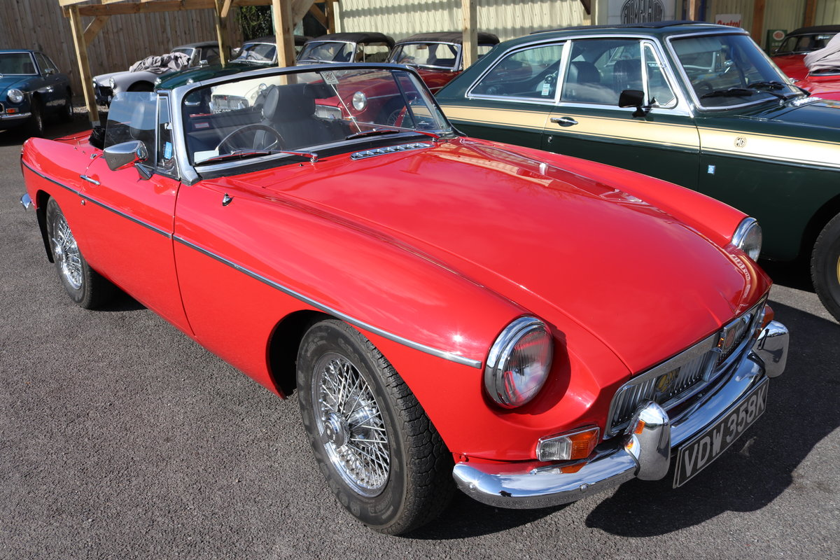 1971 MGB Roadster ,bare shell rebuild,  SOLD (picture 1 of 6)
