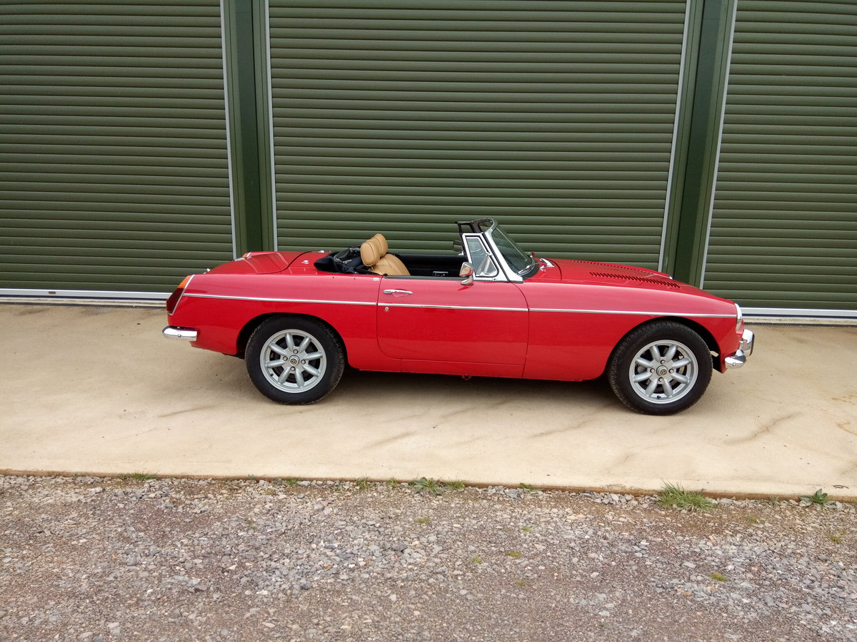 1972 MGB V8 Roadster. 5 Speed Gearbox SOLD (picture 2 of 6)