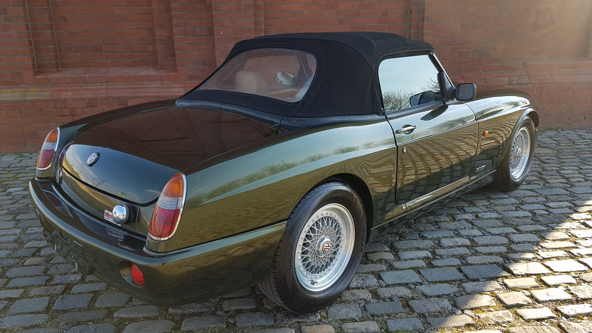 1994 MG RV8 4.0 CONVERTIBLE * ONLY 16000 MILES * TOP GRADE IMPORT For Sale (picture 2 of 6)