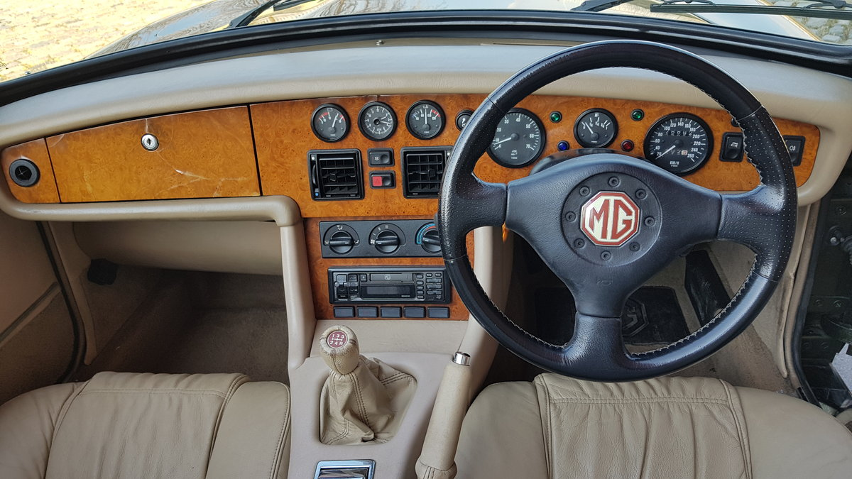1994 MG RV8 4.0 CONVERTIBLE * ONLY 16000 MILES * TOP GRADE IMPORT For Sale (picture 4 of 6)