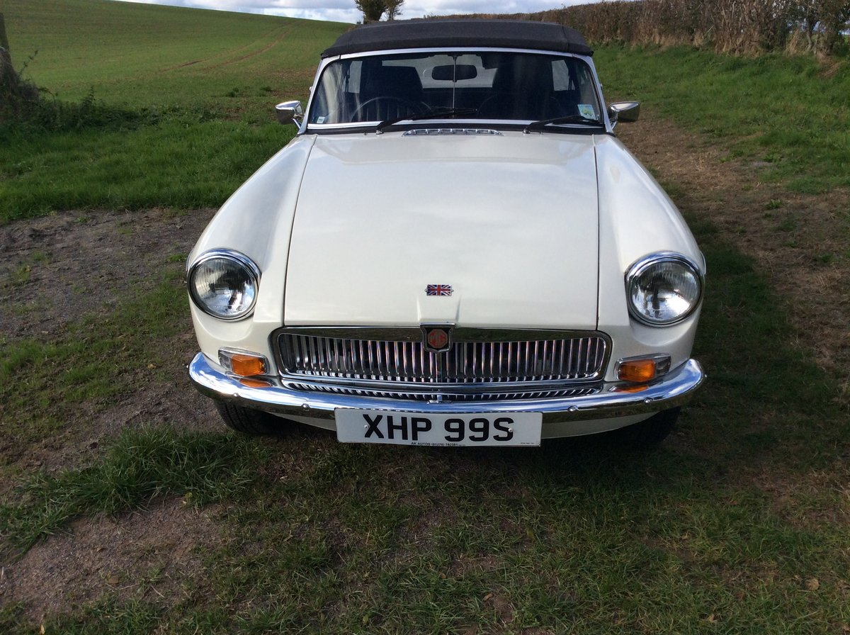 1977 Superb MGB - on the button and a joy SOLD (picture 4 of 6)