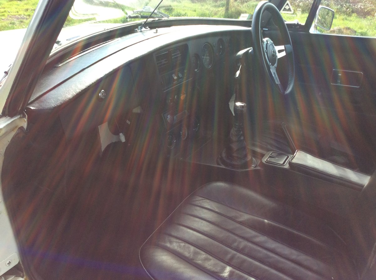 1977 Superb MGB - on the button and a joy SOLD (picture 5 of 6)
