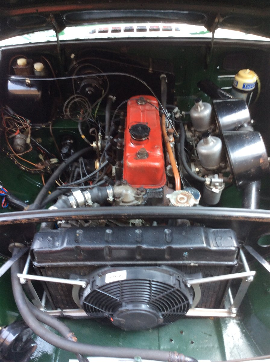 Superb Mk1 1967 MGB Roadster in  Racing Green For Sale (picture 2 of 6)