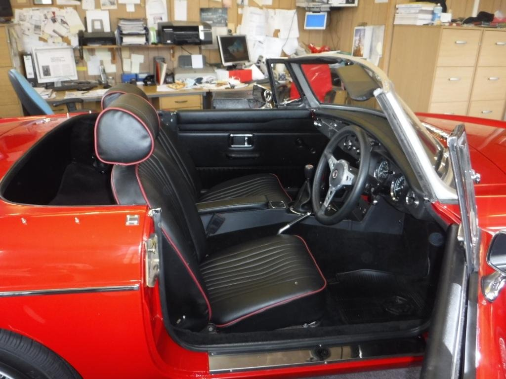 1969 MGB Roadster 1800cc For Sale (picture 3 of 4)
