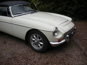 1968 EXCELLENT RESTORED MANUAL MGC GENUINE LOW MILEAGE