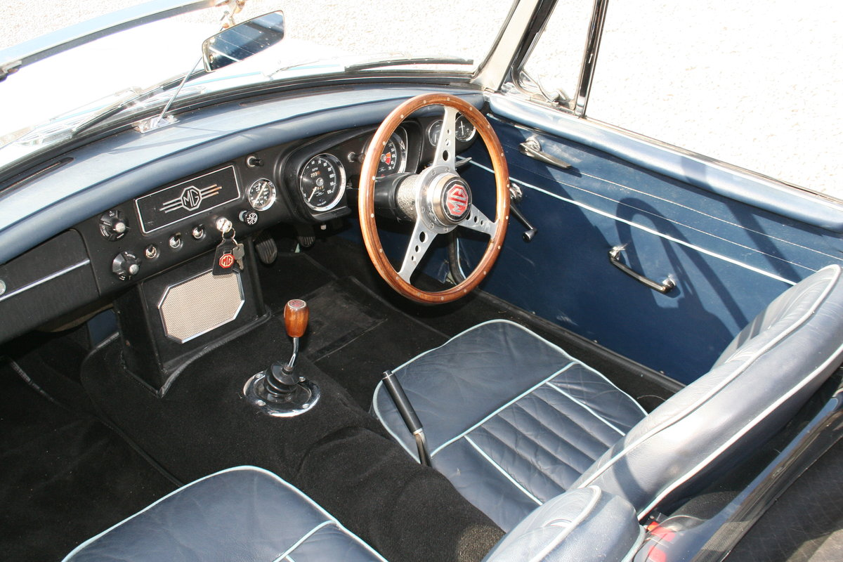 1963 MGB ROADSTER VERY EARLY PULL DOOR HANDLE MODEL For Sale (picture 5 of 6)