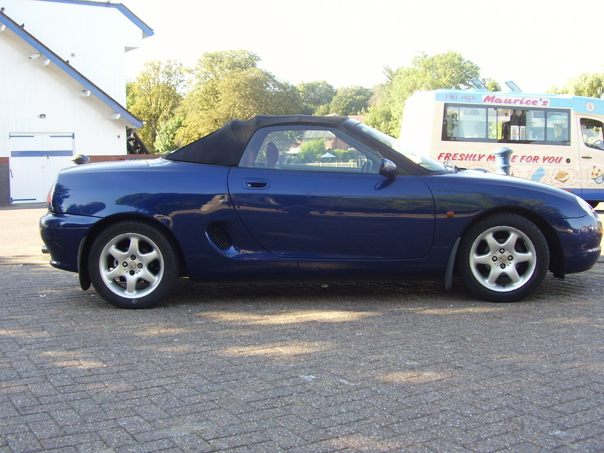 1997 Blue MGF, inexpensive starter classic, 12 mths MOT For Sale (picture 4 of 6)