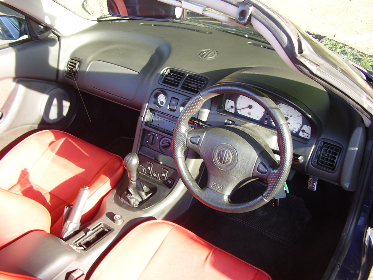 1997 Blue MGF, inexpensive starter classic, 12 mths MOT For Sale (picture 5 of 6)