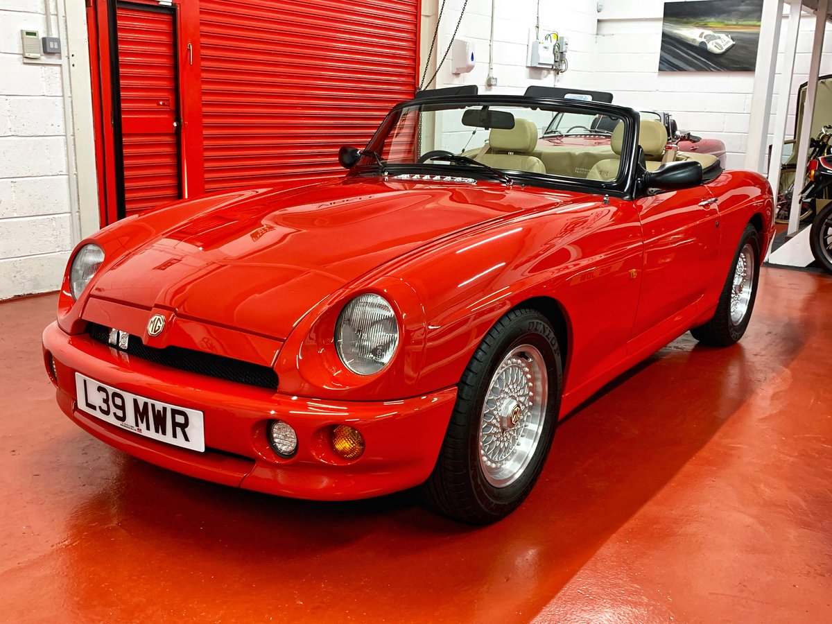 1993 MG RV8 // 24k Miles // NOW SOLD SIMILAR CLASSICS REQUIRED For Sale (picture 2 of 6)