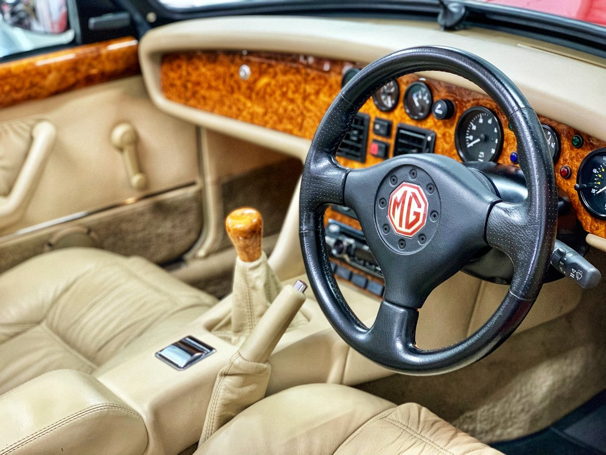 1993 MG RV8 // 24k Miles // NOW SOLD SIMILAR CLASSICS REQUIRED For Sale (picture 4 of 6)