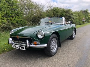 1974 MGB ROADSTER CHROME BUMPER AND WIRE WHEELS For Sale