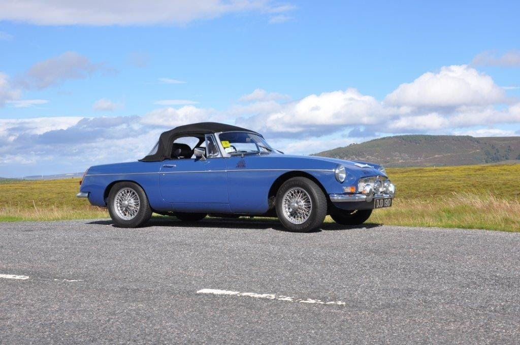 1966 Blue MGB roadster For Sale (picture 5 of 6)