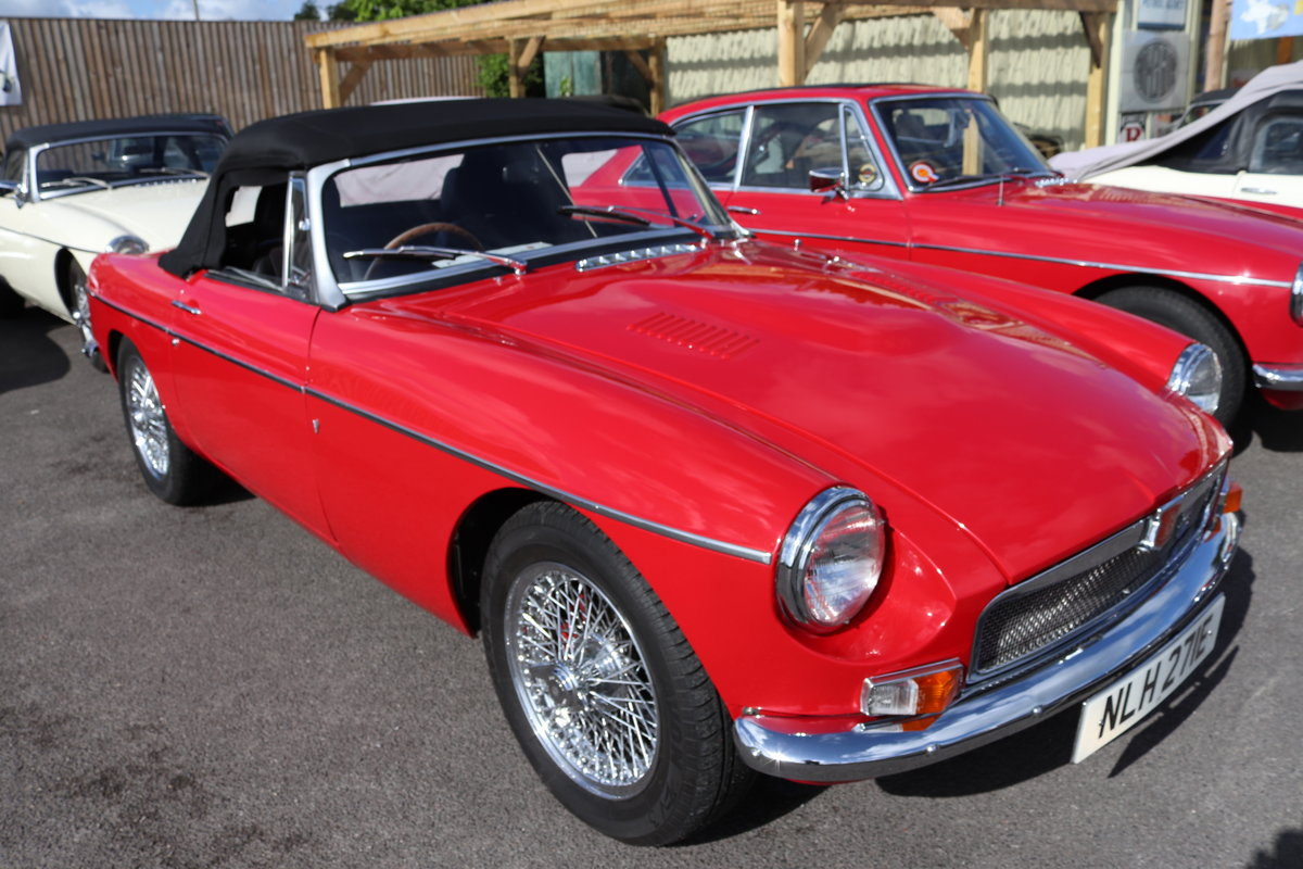 1967 MGB V8 Roadster,Heritage Shell, ULTIMATE SPEC. For Sale (picture 1 of 6)