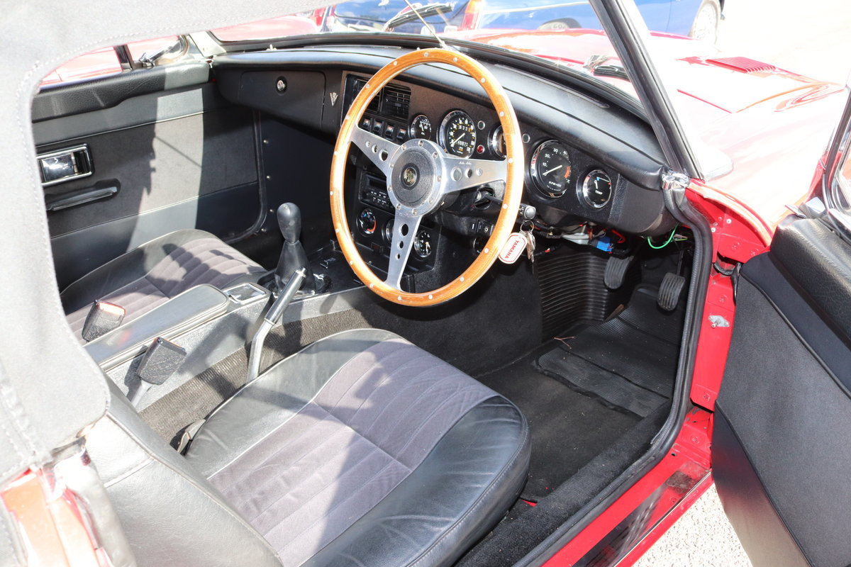 1967 MGB V8 Roadster,Heritage Shell, ULTIMATE SPEC. For Sale (picture 5 of 6)
