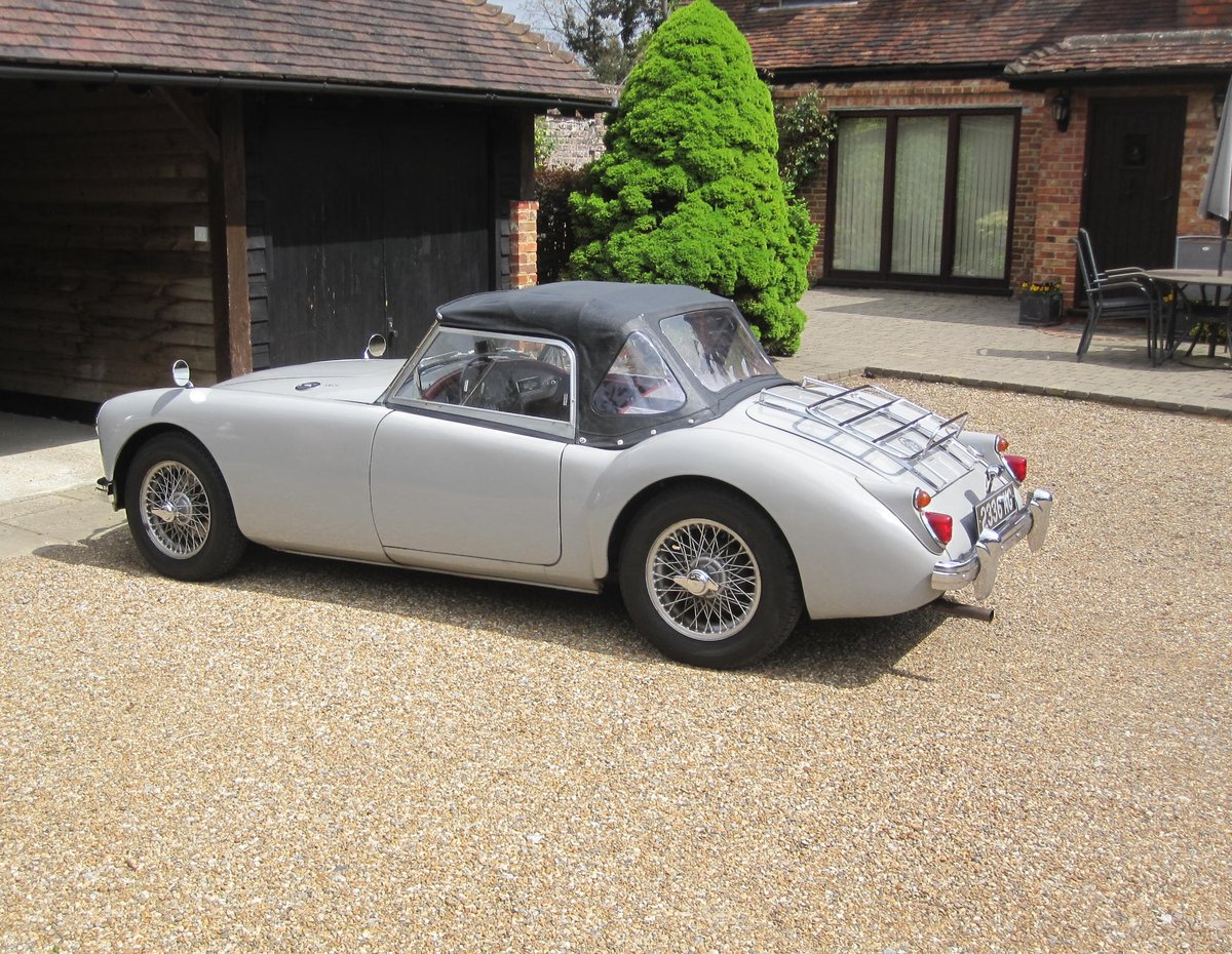 1959 MGA Roadster LHD-1800cc engine - SALE PENDING SOLD (picture 5 of 6)