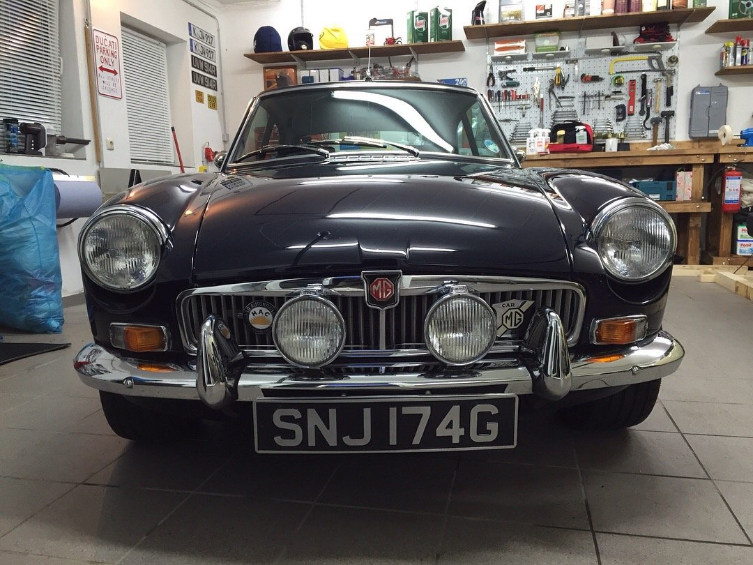 1969 MGB GT, 1950cc, Frontline Upgrades SOLD (picture 5 of 6)
