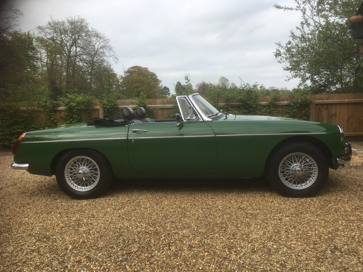 1970 MGB Roadster SOLD (picture 1 of 6)