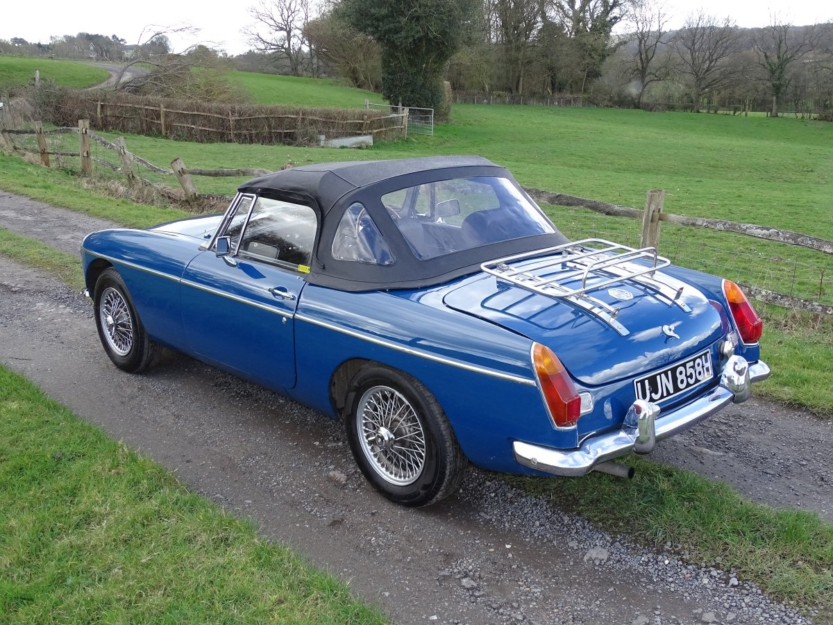 1970 Lovely original MGB Roadster, overdrive, last owner 20 years SOLD (picture 3 of 6)