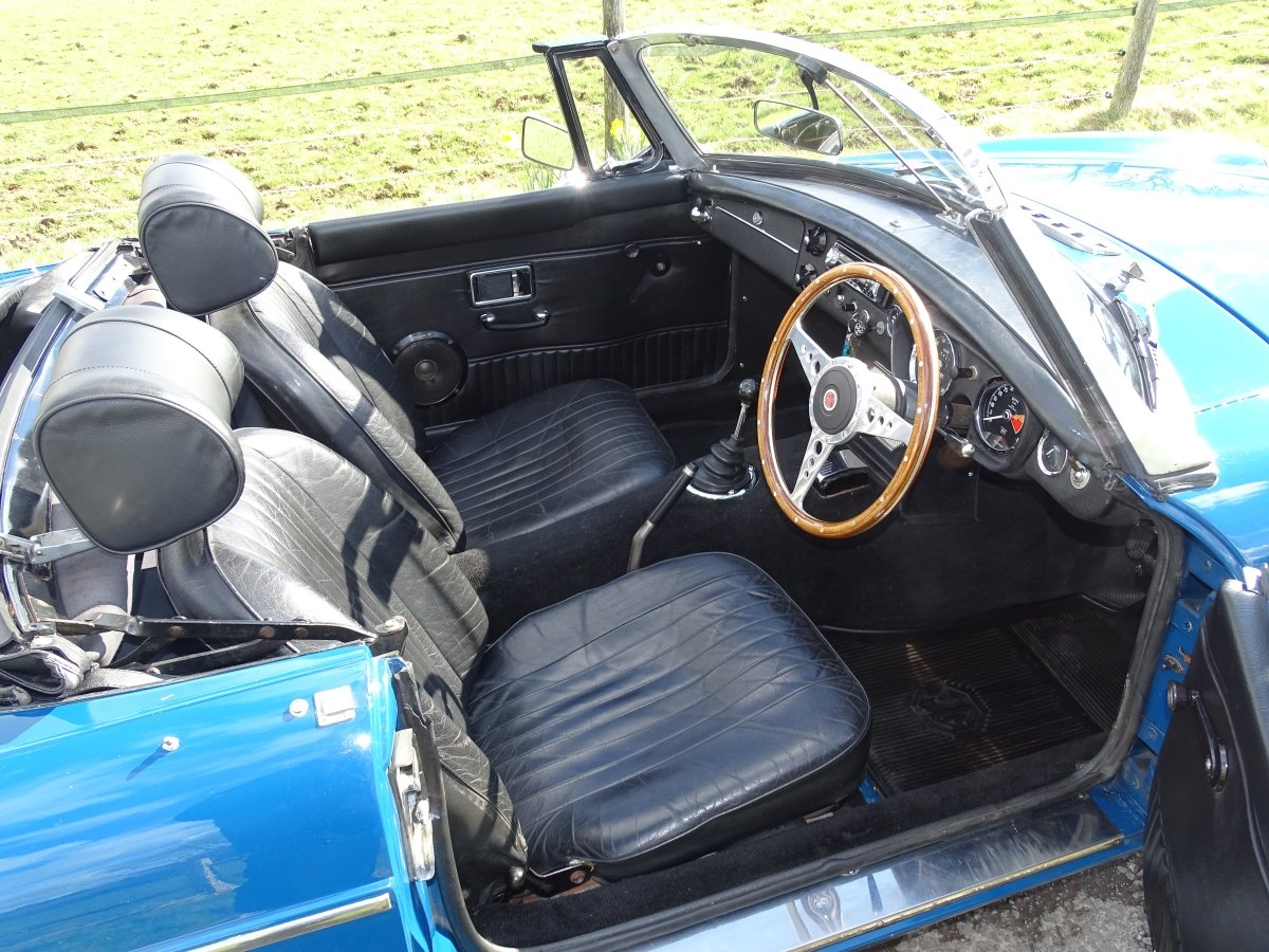 1970 Lovely original MGB Roadster, overdrive, last owner 20 years SOLD (picture 4 of 6)