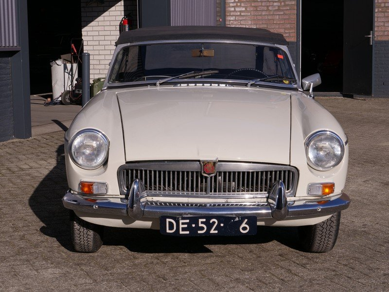 1964 MG B Roadster For Sale (picture 6 of 6)