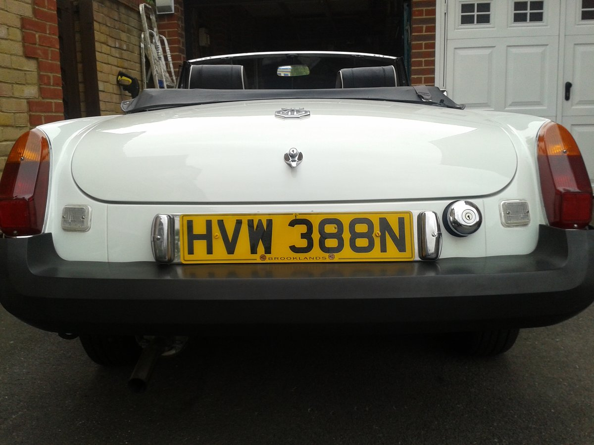 1975  White MGB Roadster. SOLD (picture 2 of 6)