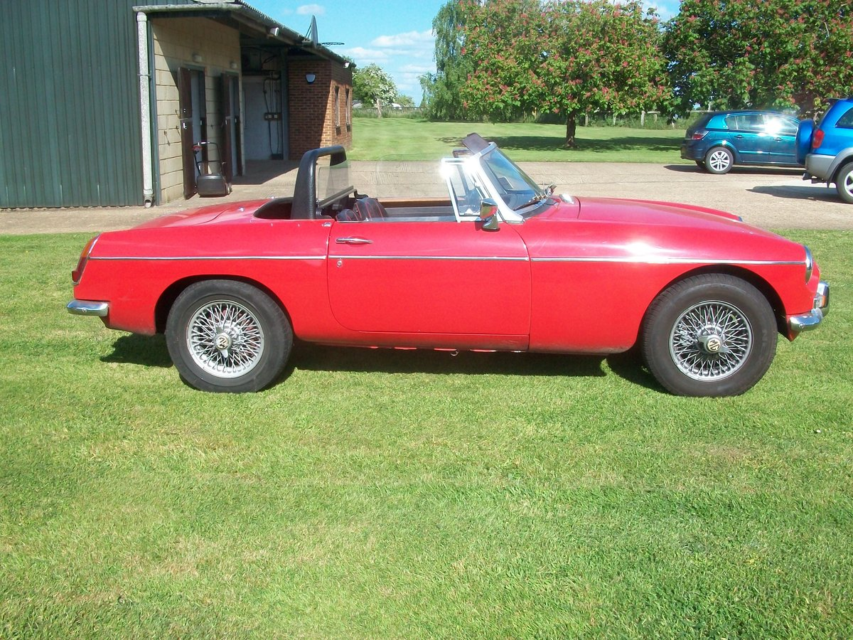 1964 MG Roadster  SOLD (picture 1 of 6)