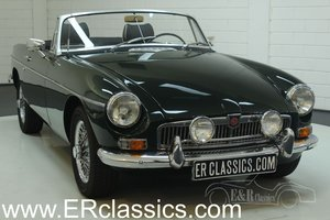 MG B cabriolet 1966 BRG, Chrome wire wheels For Sale