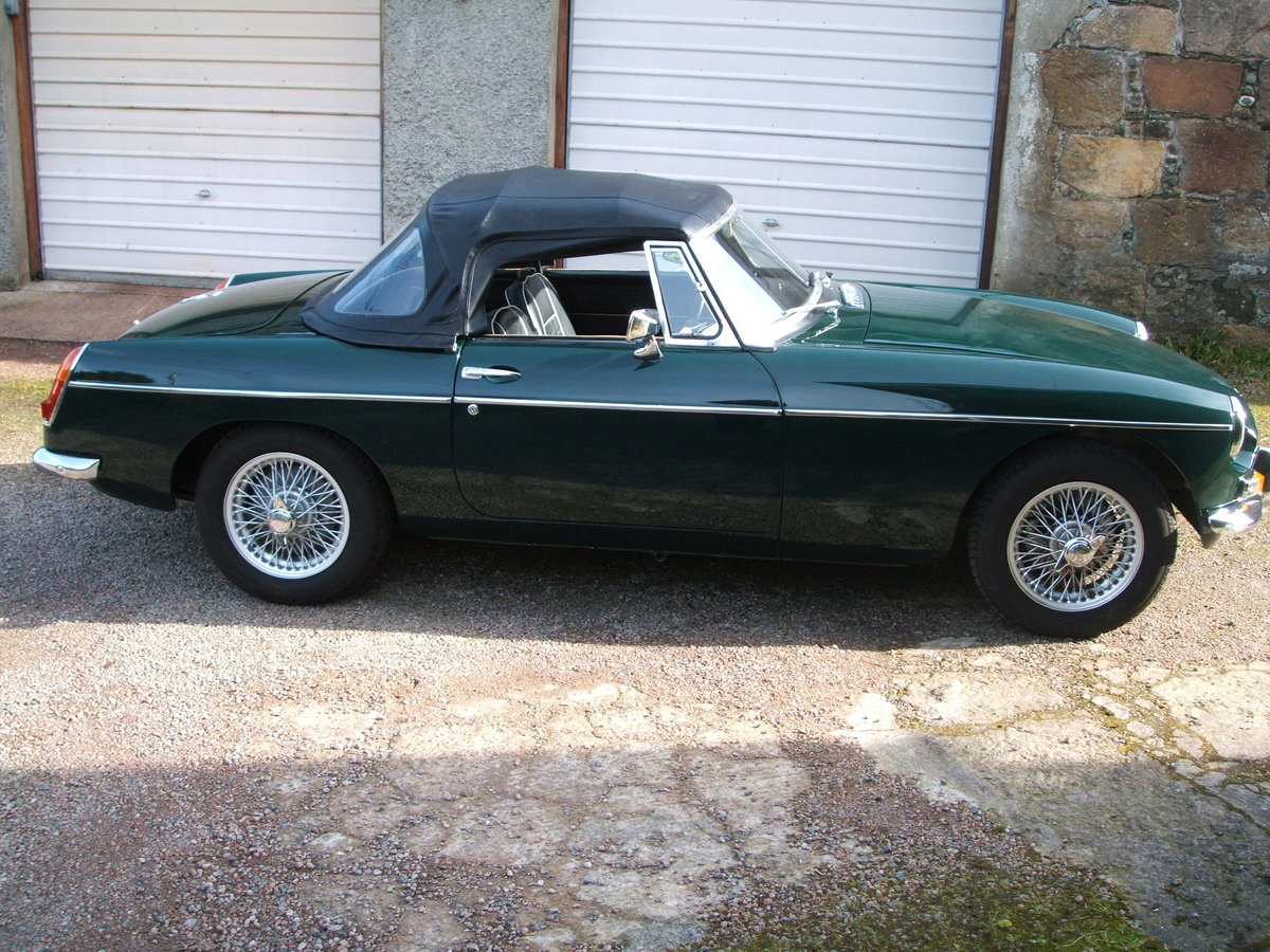 1964 MGB Roadster SOLD (picture 1 of 6)