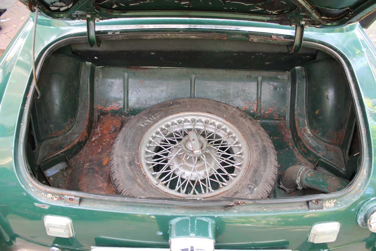 1968 mg midget , wire wheels , for restoration For Sale (picture 6 of 6)