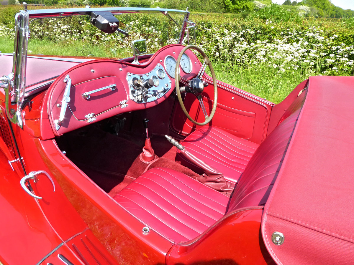 1950 Stunning MG TD. Engine just rebuilt. Many extras. For Sale (picture 5 of 6)