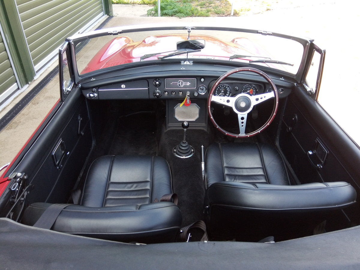 1969 MGC Roadster SOLD (picture 5 of 6)