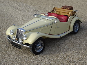 MG TF – superb photographic restoration For Sale