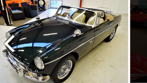 1974 MG v8 roadster DT 59998 For Sale