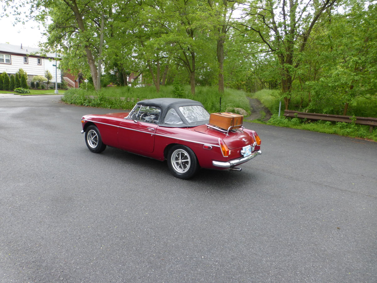 1974 MGB With Overdriver Very Nice Driver For Sale (picture 4 of 6)