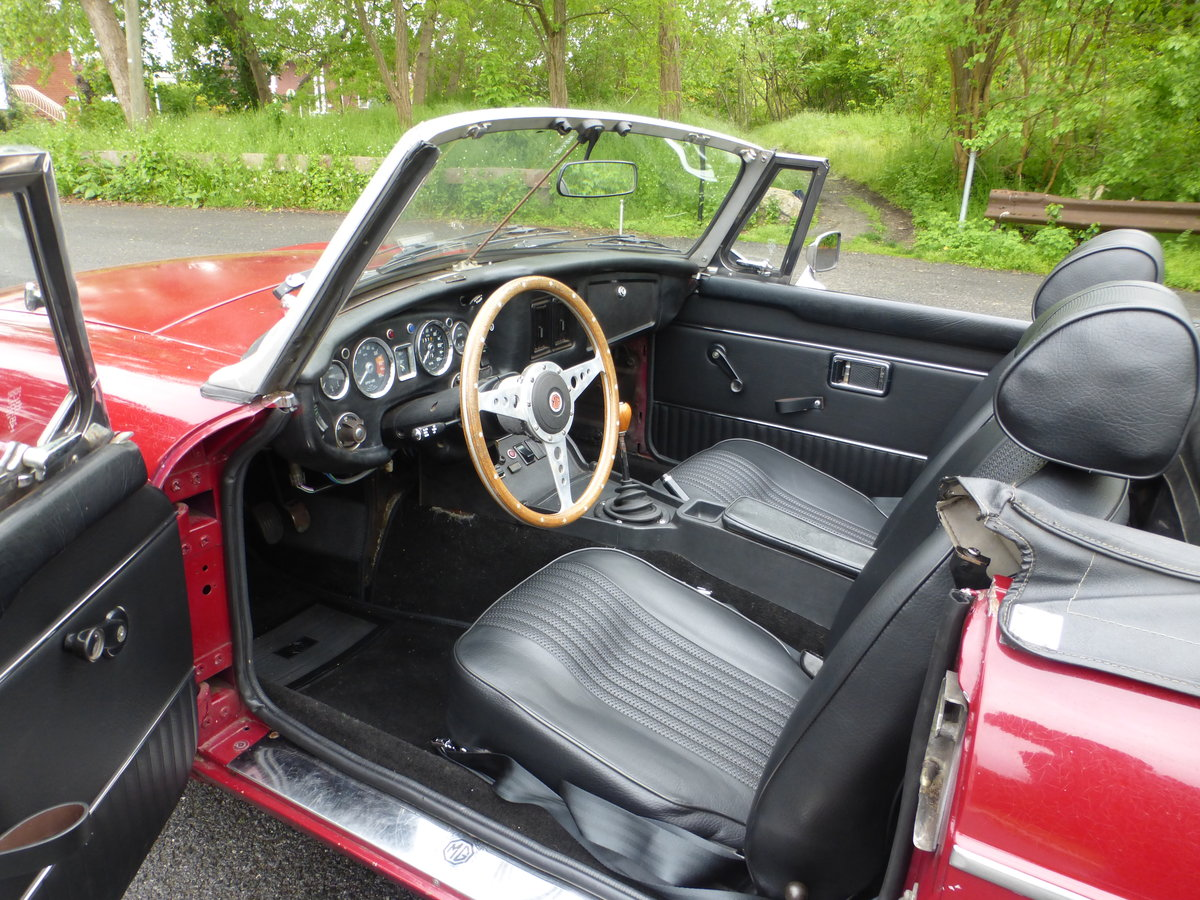 1974 MGB With Overdriver Very Nice Driver For Sale (picture 5 of 6)