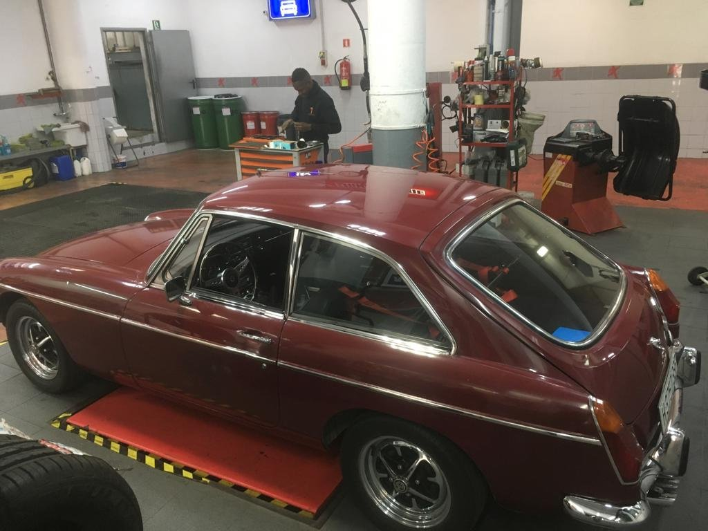 Restored 1973 MGB GT For Sale (picture 2 of 6)