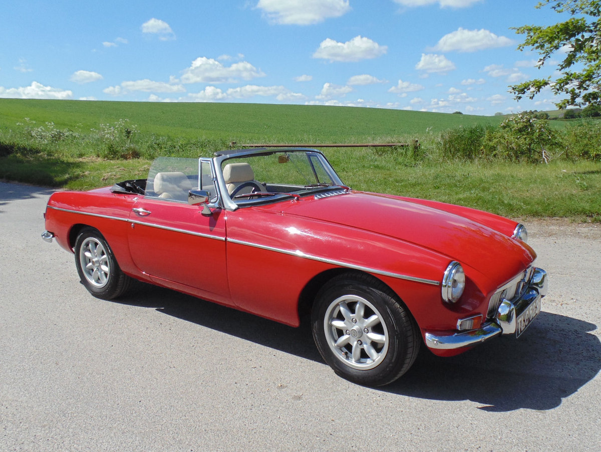 1968 MGB Roadster SOLD (picture 2 of 6)