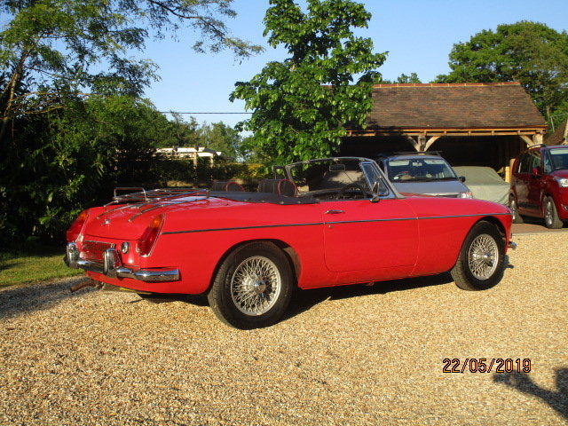 1972 MGB Roadster (Card Payments Accepted & Delivery) SOLD (picture 2 of 6)