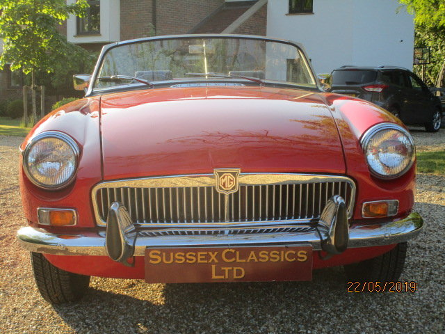 1972 MGB Roadster (Card Payments Accepted & Delivery) SOLD (picture 3 of 6)