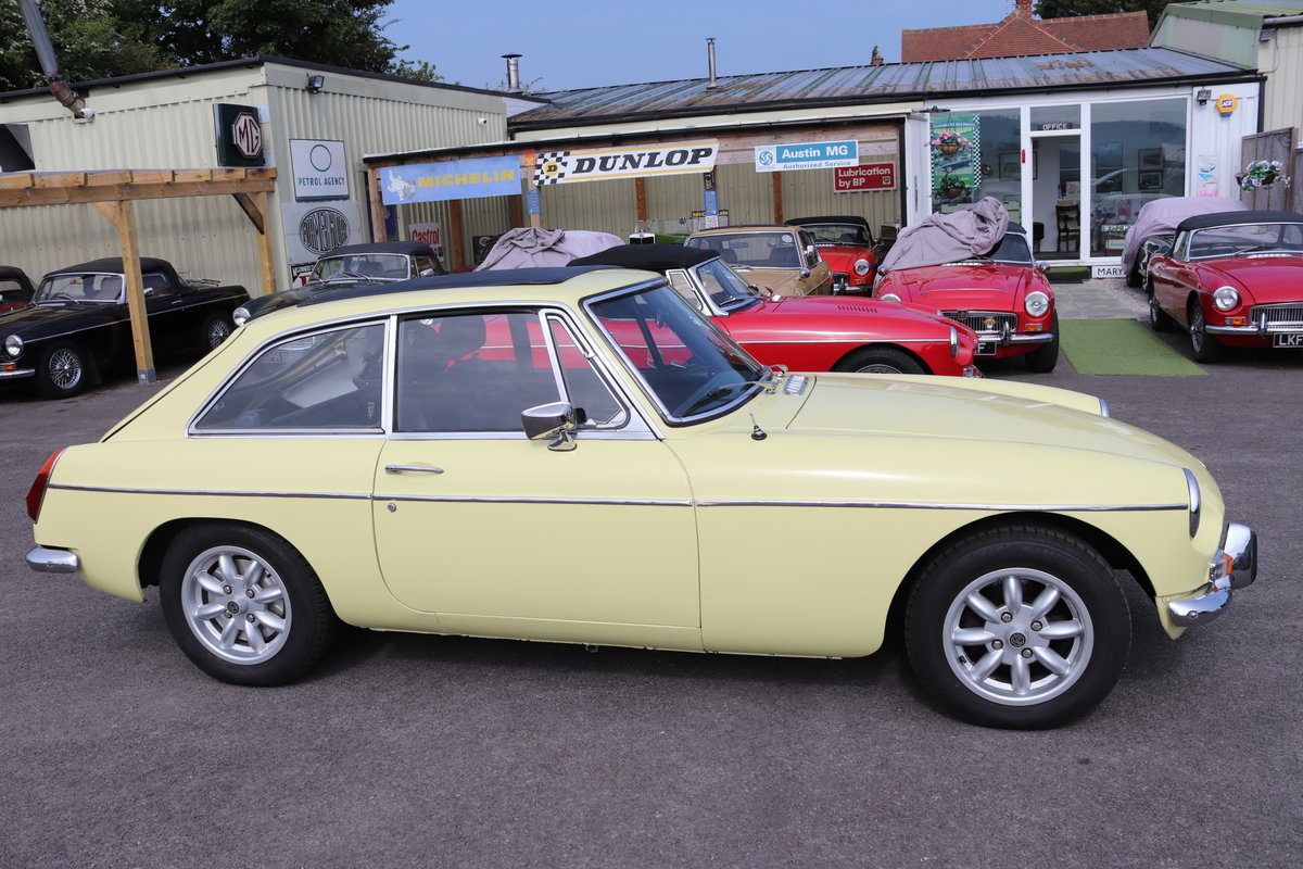 1973 MGB GT in Primrose with full sunroof SOLD (picture 5 of 6)