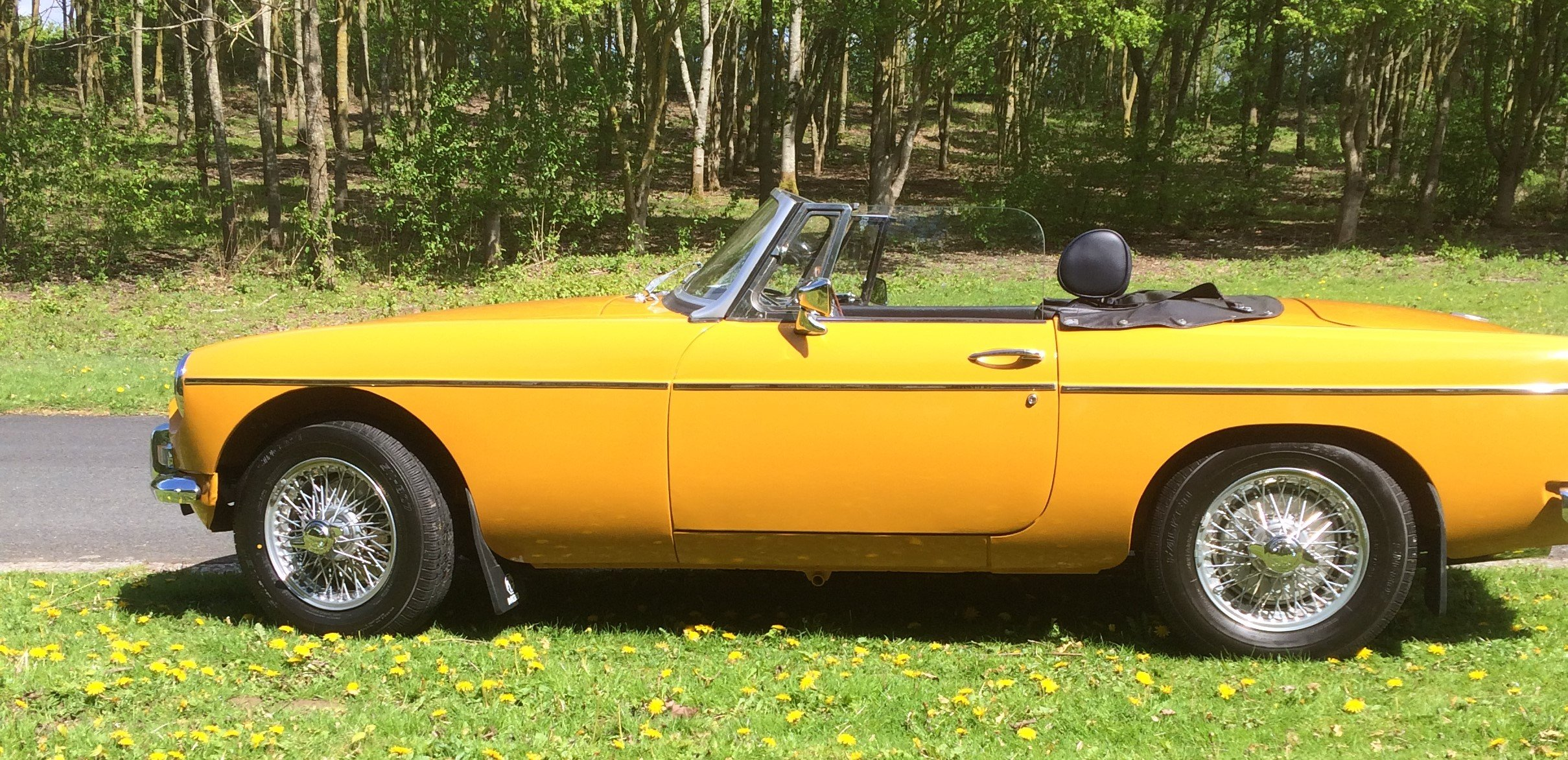 1973 MGB Roadster - Award Winning SOLD (picture 2 of 6)
