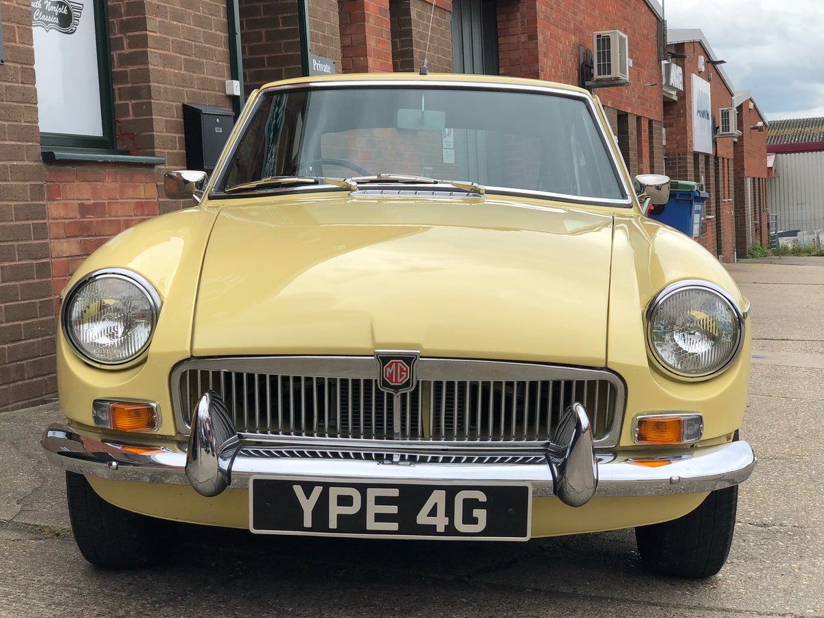 1969 MGB GT, Primrose Yellow, overdrive, wire wheels SOLD (picture 2 of 6)