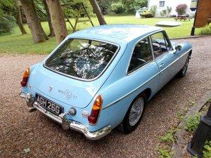 MG BGT  1969  Older Restoration in Iris Blue