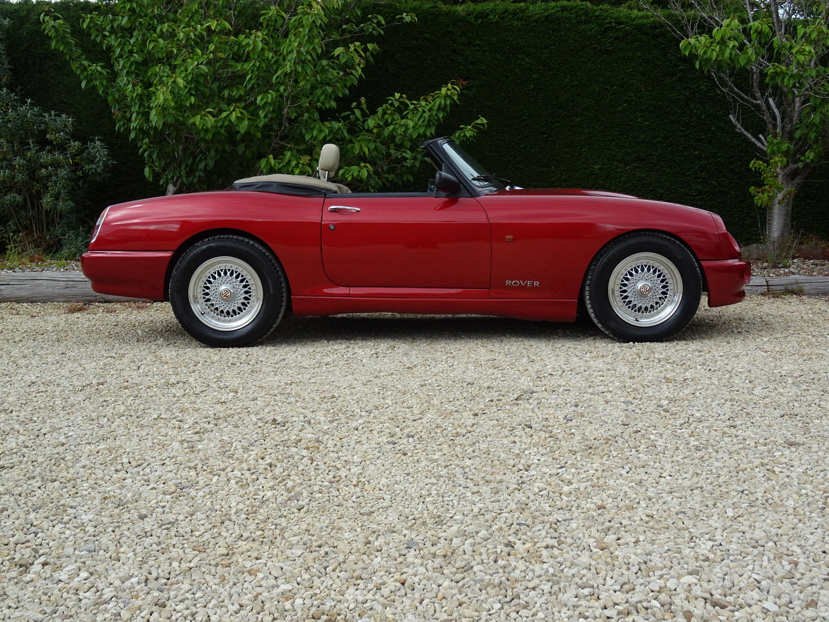 MG RV8 – Rare Nightfire Red & Power Stering For Sale (picture 3 of 6)
